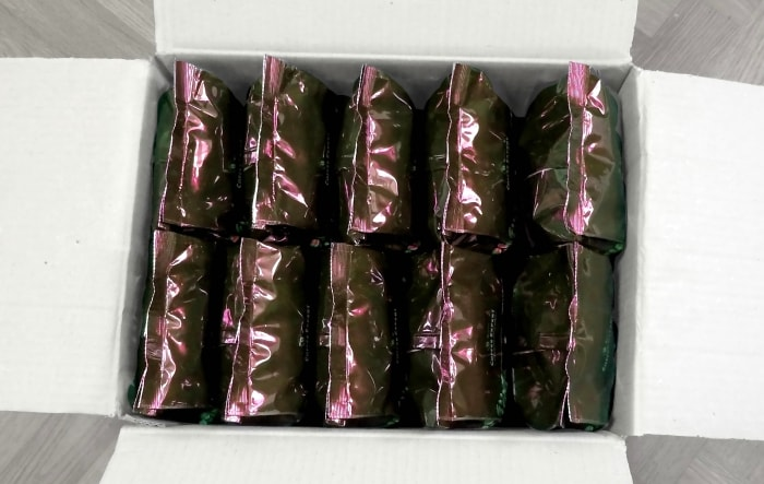 Транспортная упаковка – 10 пачек кофе (по 1 кг) в ящике